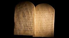 the-commandments-according-to-the-apostl