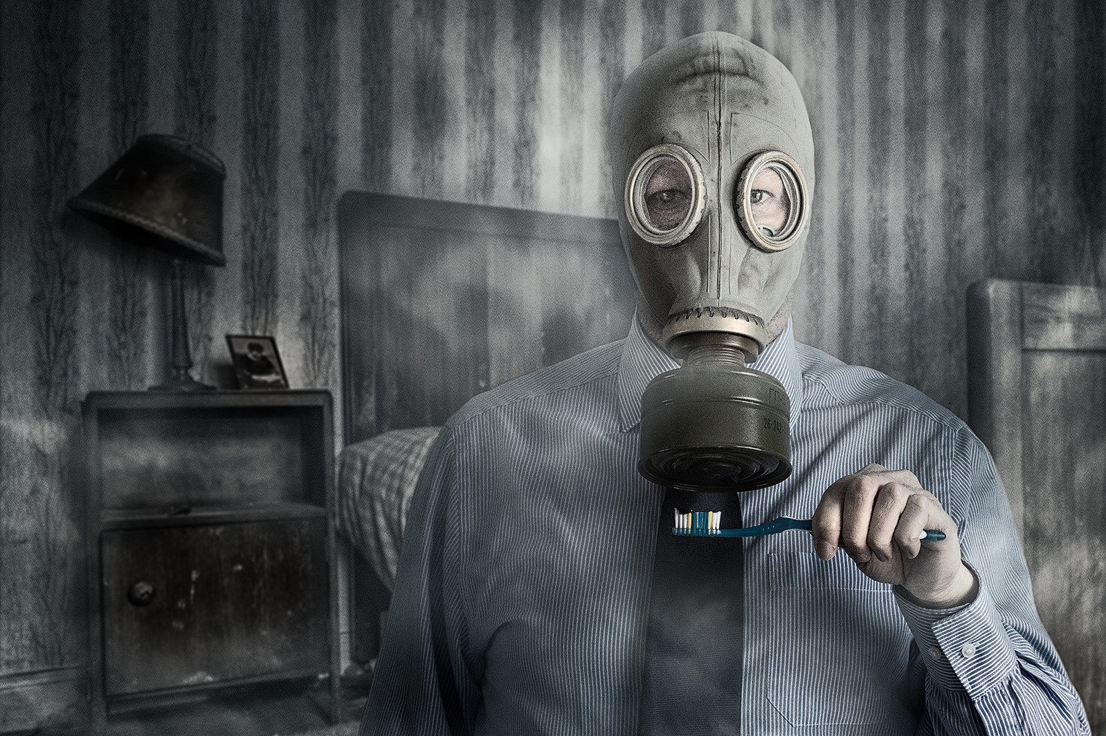 'A Toxic Breath' by Matthew Canning (11 marks)  -  Belfast Photo Imaging Club