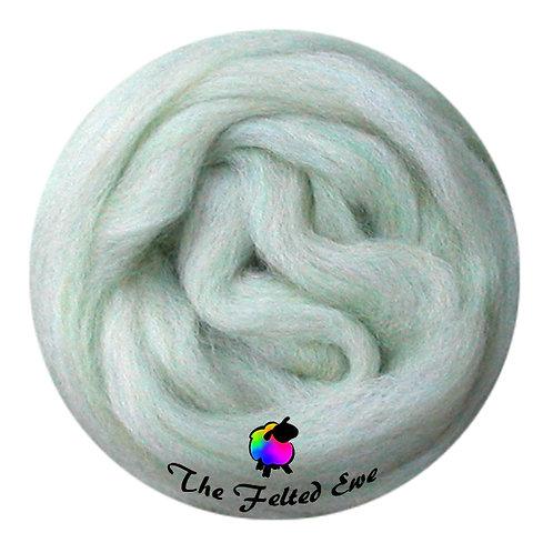 ES42 Luna Moth Wool Sliver