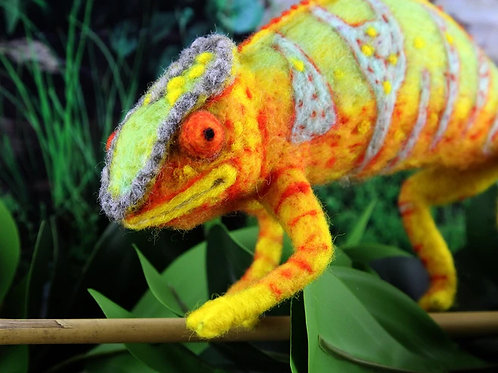 Connie the Chameleon Needle Felting Kit