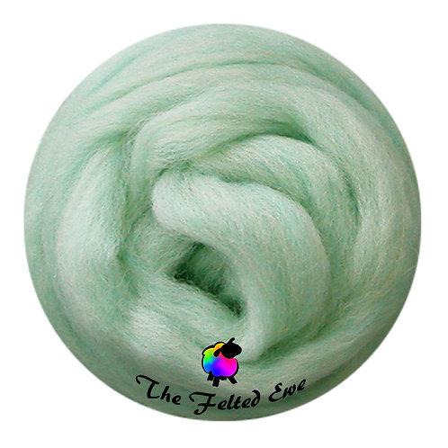 ES9 Misty Meadow Wool Sliver