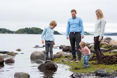 Fotograf_beate_willumsen_familiefotografering ved sjøen