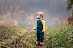 Barnefotografering ute om høsten
