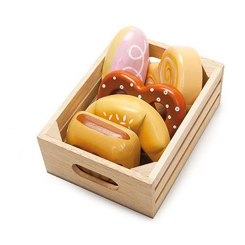 Le Toy Van – Honeybee Wooden Bakers Basket