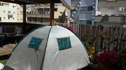 אוהל בגג.jpg