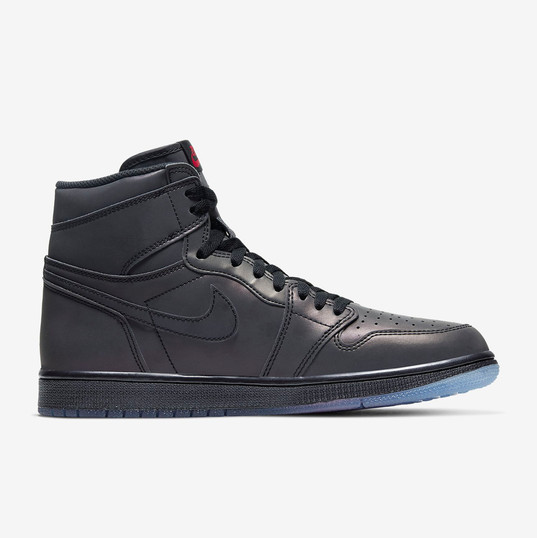 Air Jordan 1 High Zoom Fearless_3.jpg