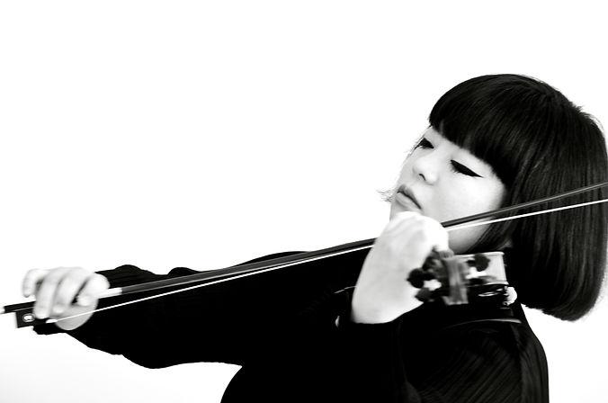 Yura Lee, violinist & violist