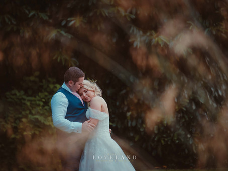 Katie and Nicks gorgeous wedding at Redhouse Barn, Worcestershire.