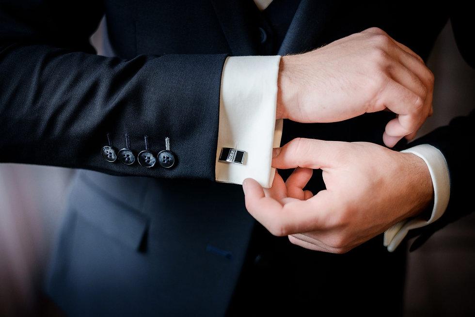 Tailoring_bespoke_suit.jpg