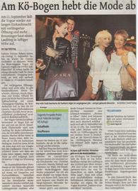 71_Westdeutsche_Zeitung,_3.9.2015_Am_Kö-Bogen_hebt_die_Mode_ab.png