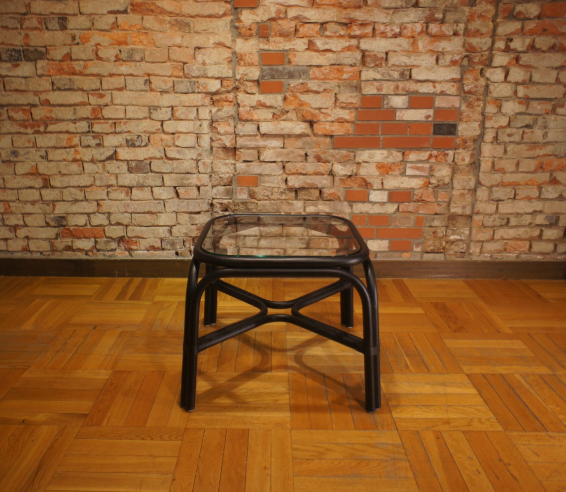 SR side table 2