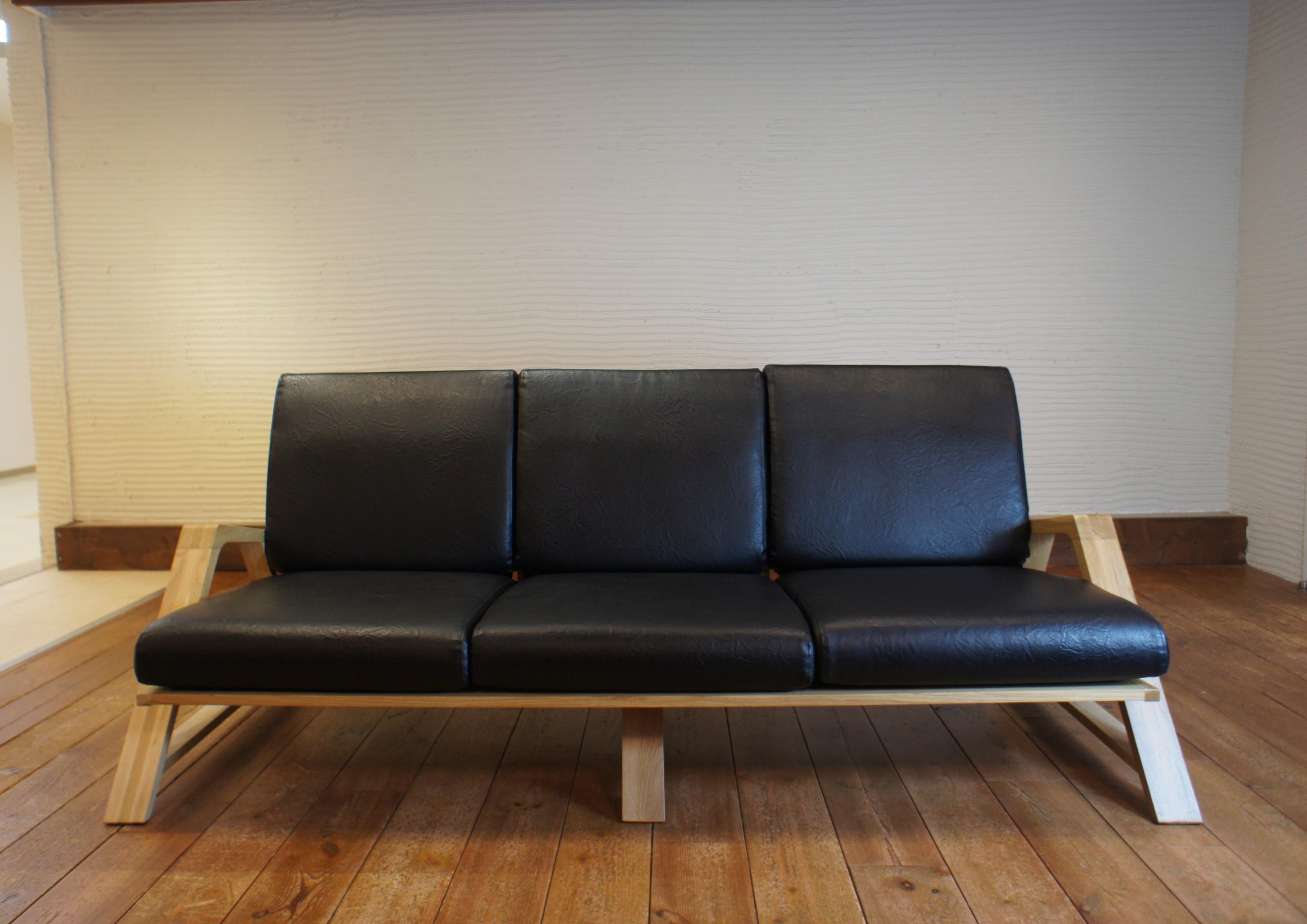 RM Sofa 3P 2