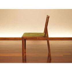 B Chair 3
