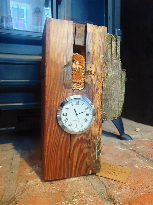 Rustic Gate Post Clock