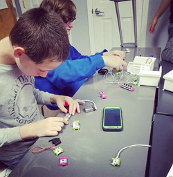 Having some fun with circuitry using _li