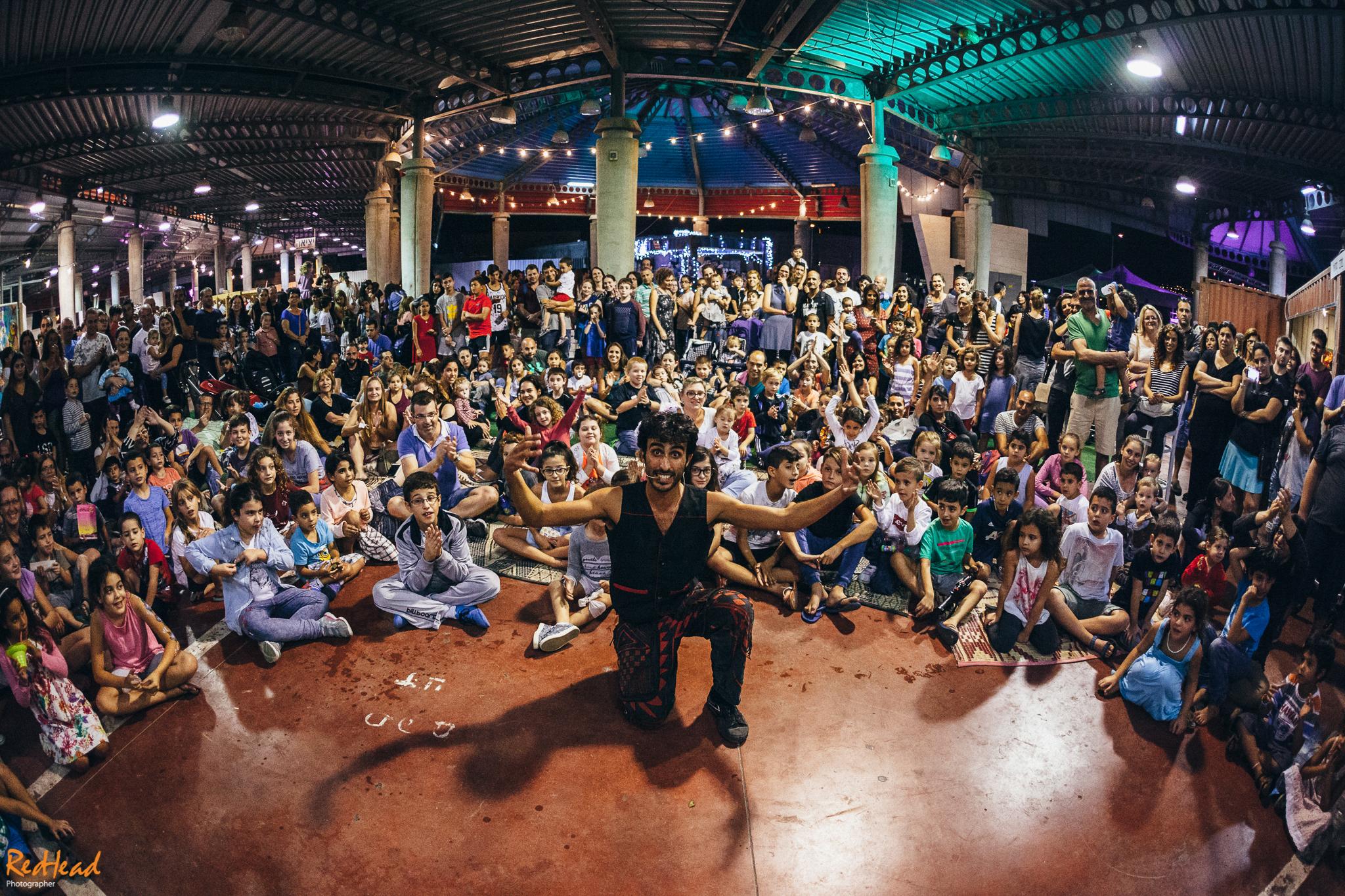 הרבה קהל במופע לכל המשפחה