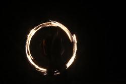 אש חמה במופע של חן מרגלית
