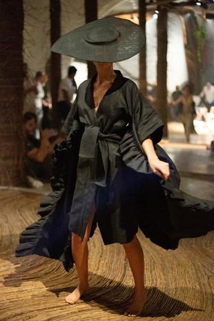 Daniela Villa & Asakusa Colección Presente en Tulum Fashion is Art 2020.