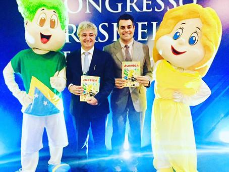 Edição comemorativa da Cartilha da Justiça é lançada em Maceió, AL