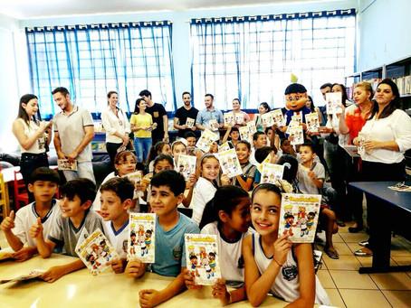 Gibi Umuaraminha #unidospelacura entregue junto com Biblioteca à Escola Municipal Ouro Branco