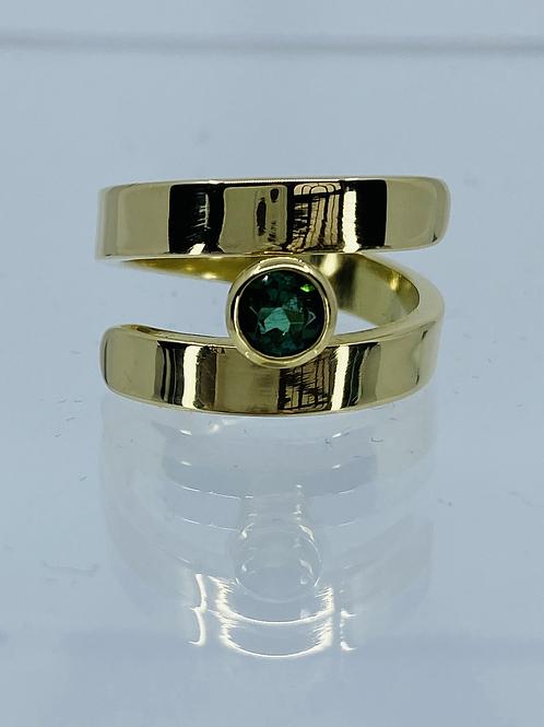 ref KAJMR 90 Gold and tourmaline ring