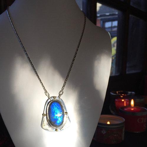 ref-KAJMN 52  Labradorite necklace