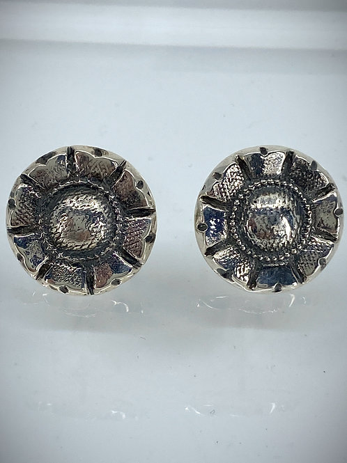 ref KAJME 33  Flower button earrings