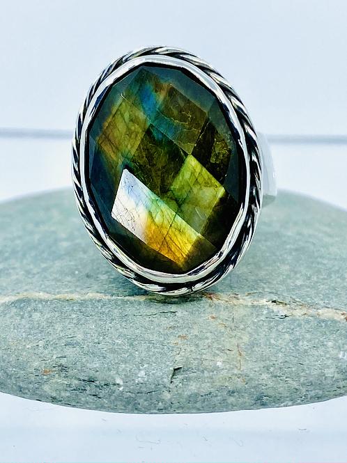ref-KAJMR 80 Chequerboard facetted Labradorite ring