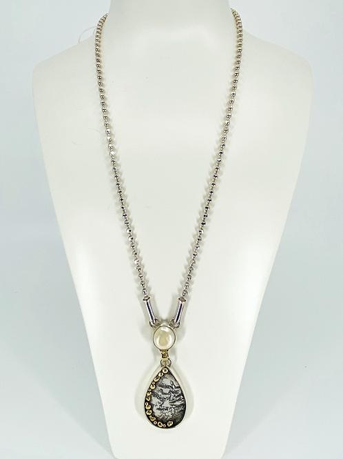 ref-KAJMN50  Teardrop and pearl necklace