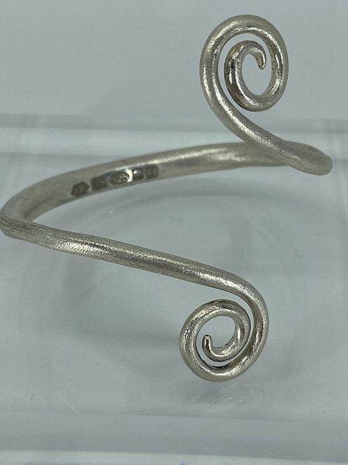 KAJMB 32  Hand forged sterling silver bangle