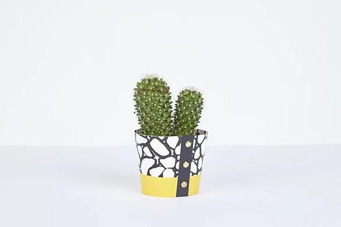 Cobbles Plant Pot Cover (Medium)