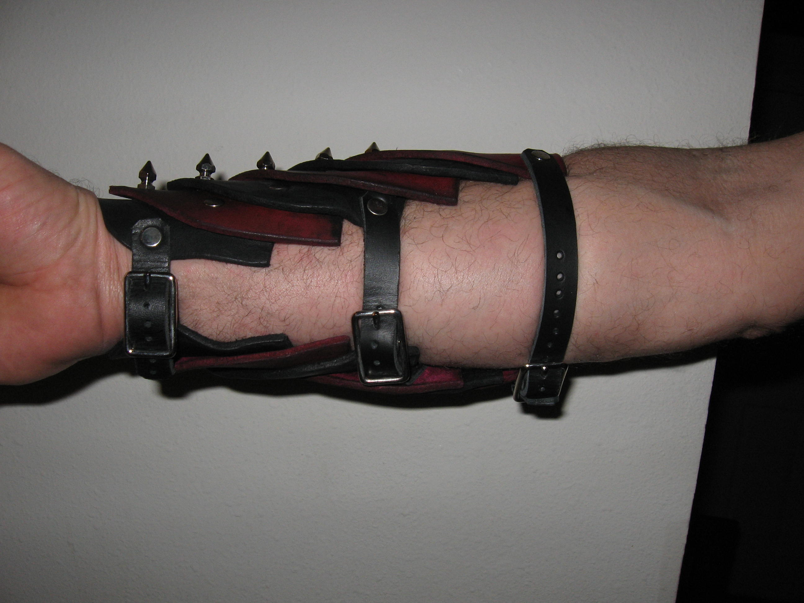 Articulated Bracers Bottom.jpg