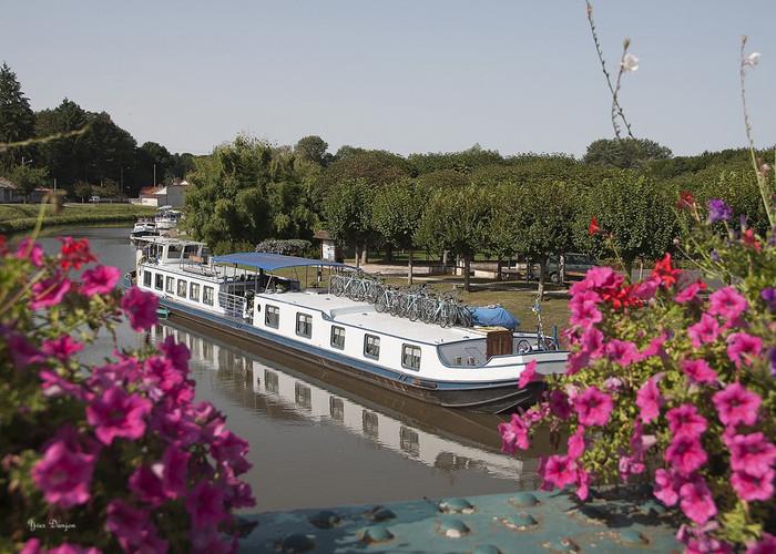 Ouzouer-sur-Trézée-Le canal