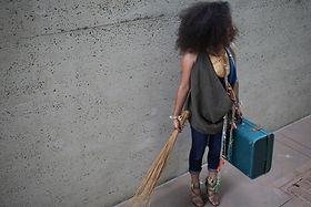 Katrina Sonter - Bag Lady - Sunameke