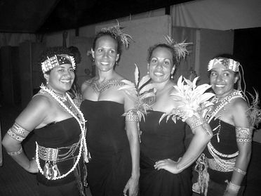 Sam Julia Yola and Kat in Fiji - Sunameke