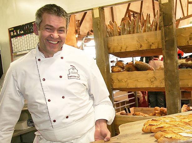 Jean-Maurice Monnier a votre ecoute au Fournil de la Grange pour découvrir le metier de boulanger