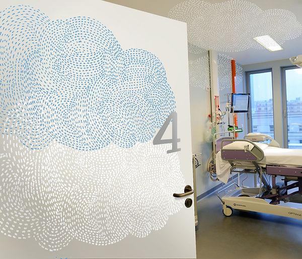 Tandm Design, agence de design spécialisée dans la décoration murale dans une maternite