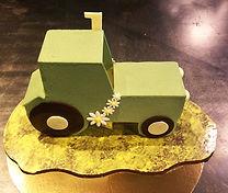 Patisserie, le Fournil de la Grange, gateau personnalisé, un tracteur