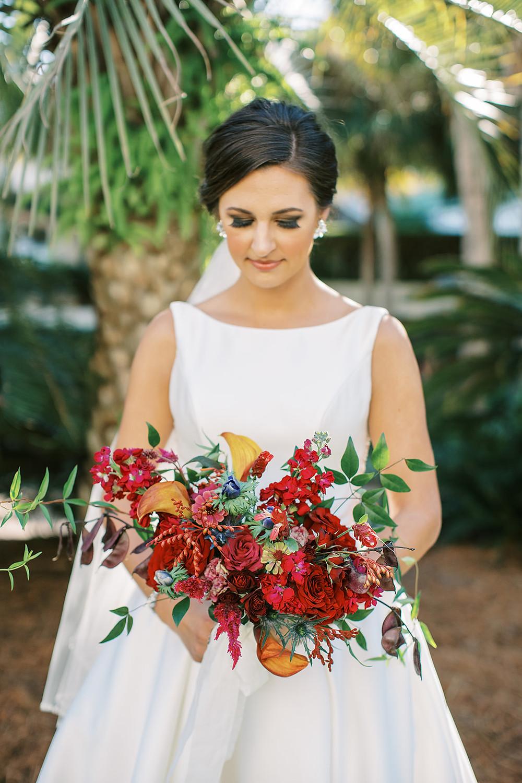 bride, bridal bouquet, wedding flowers, wedding venue Beaufort, wedding venue Charleston, floral designer