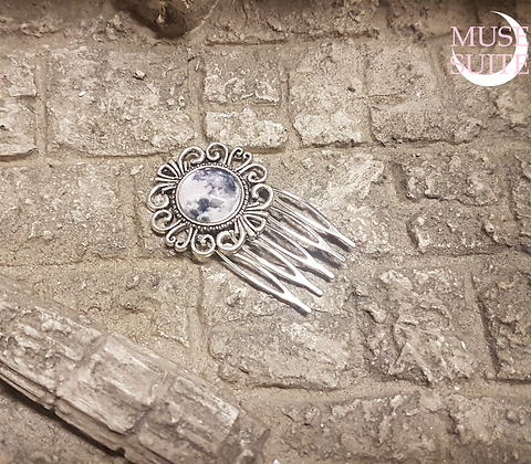 Goddessy Haircomb, witchy hairpin with a full moon. - Goddessy Serie