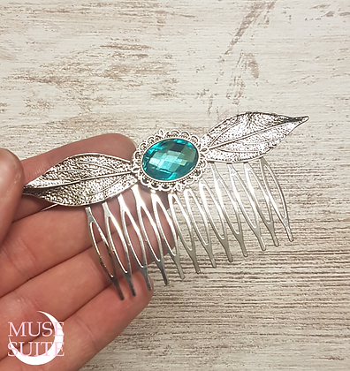 Fantays Haircomb, silver leaves and cameo.
