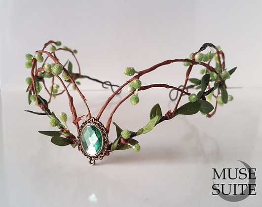 Elf crown with snow beads in green, with cameo. Elvish tiara, cosplay - green