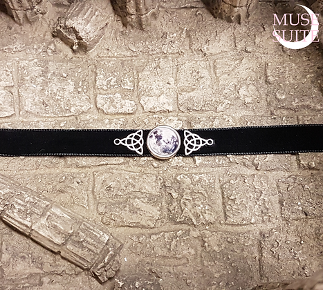 Full Moon and silver triketa Choker in black velvet lace - Witchy Line - Godde