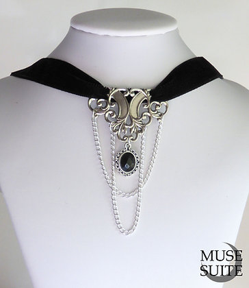Gothic choker - baroque chokers -dark necklace with cameo