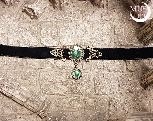 Victorian choker with cameo /Dif.Colours/, Antique Touch Collection