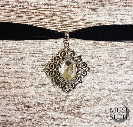 Palace Choker - Gothic Baroque Line - Goth necklace in black velvet.