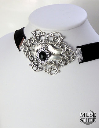 Baroque choker - gothic choker -dark necklace with cameo