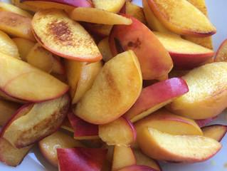 Pan-fried peach salad