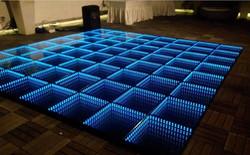 3D Mirror Dance Floor