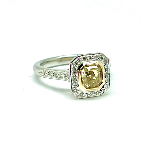 .85 Carat Fancy Yellow Diamond Ring In Platinum